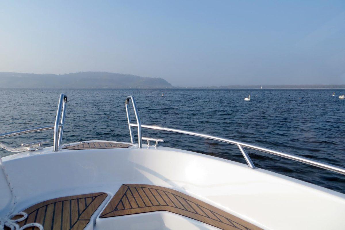 Saisonstart – Segeln und Motorboot auf dem Murtensee