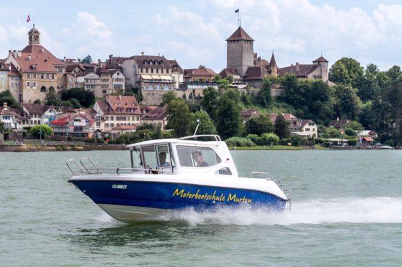 Segelschule Murtensee – Motorboot